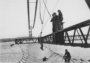 Vista da rede de proteção aos trabalhadores da Golden Gate