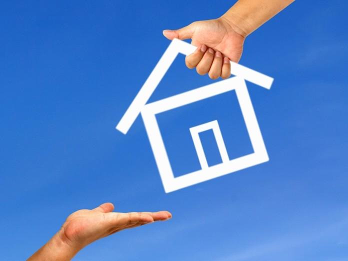 Resultado de imagem para Governo facilita concessão de propriedade de imóveis da União para famílias de baixa renda